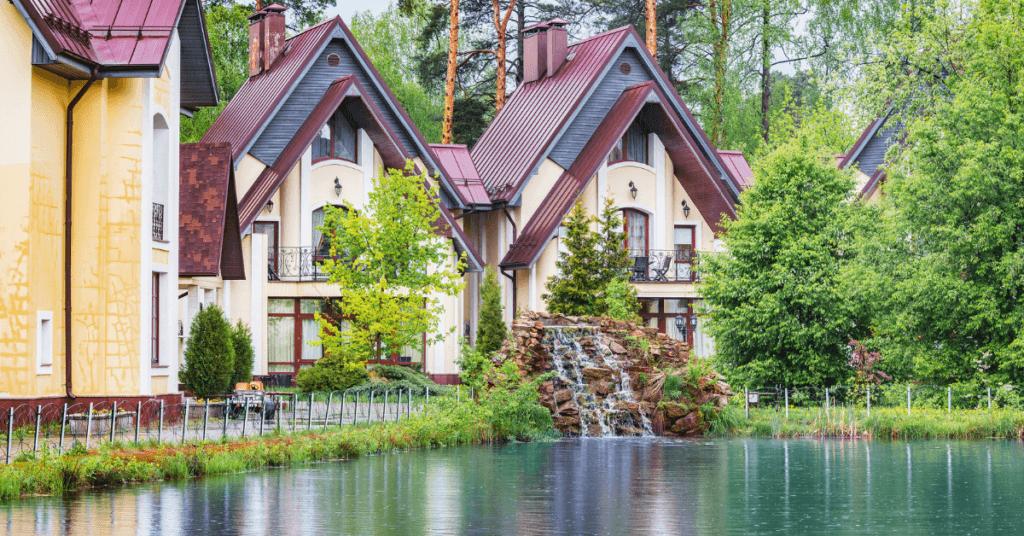 best-plants-for-lakefront-properties